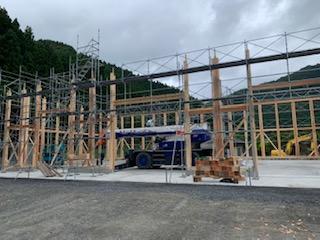 木造大型倉庫の建方応援